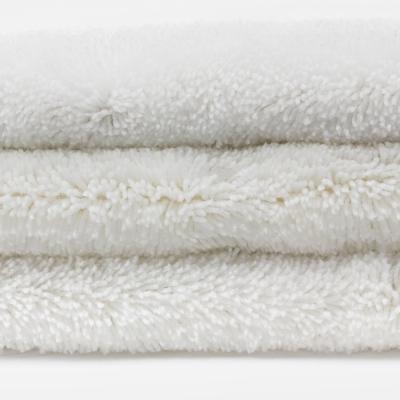 Tapis de bain blanc haut de gamme 2050g/m² - Dolce - Bath Bazaar